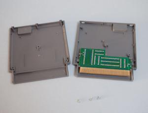 Cartucho abierto de NES - Aire, efectivamente