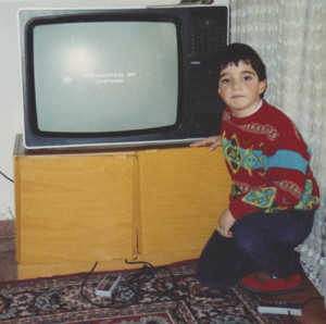 Y RetroMaquinitas con 7 añitos mandando foto a la revista del Club Nintendo - Otro documental