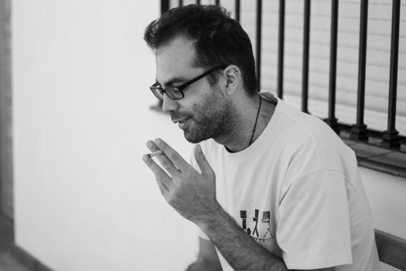 José Andrés fuma tabaco de liar.