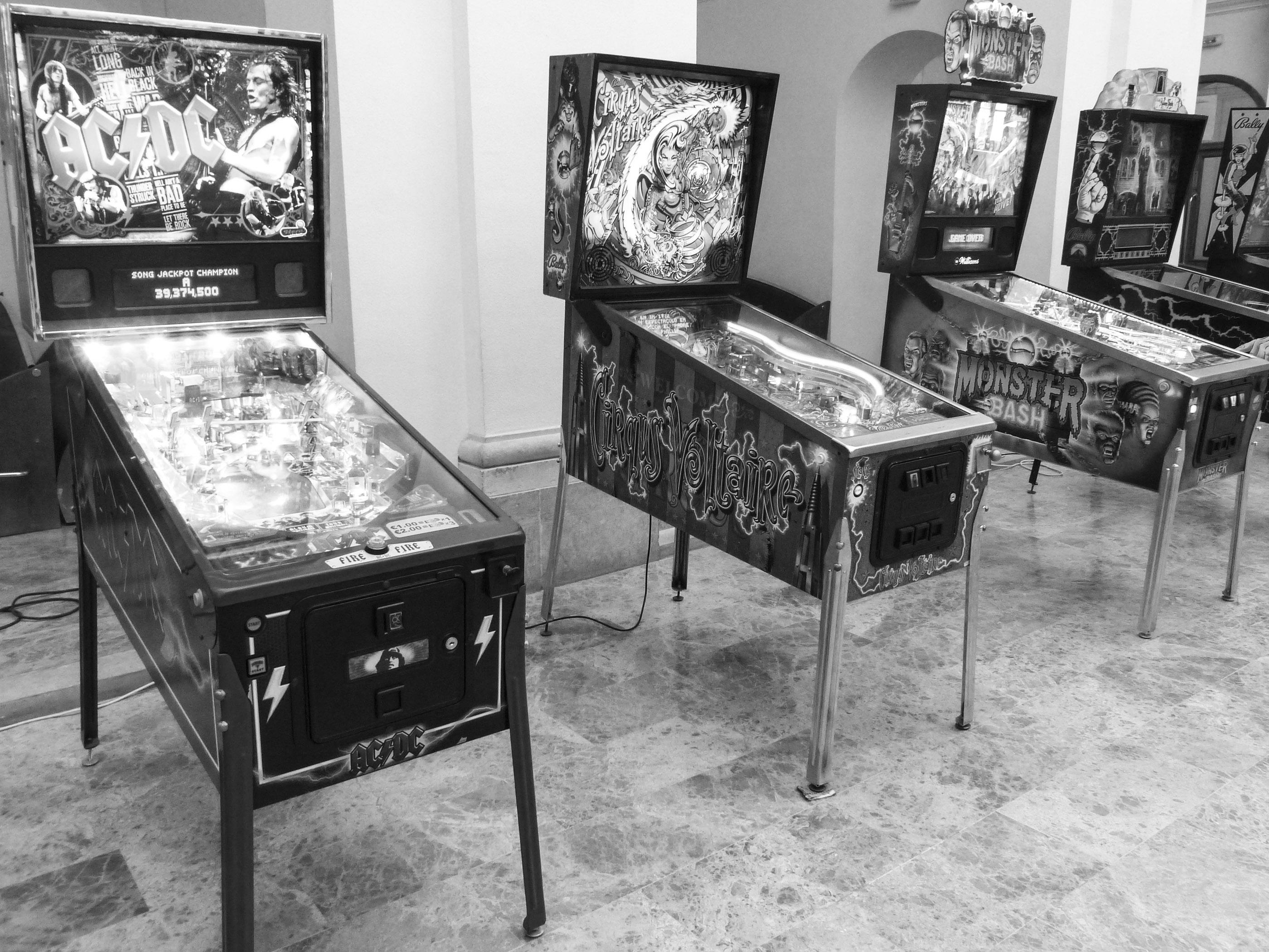 Pinballs-07